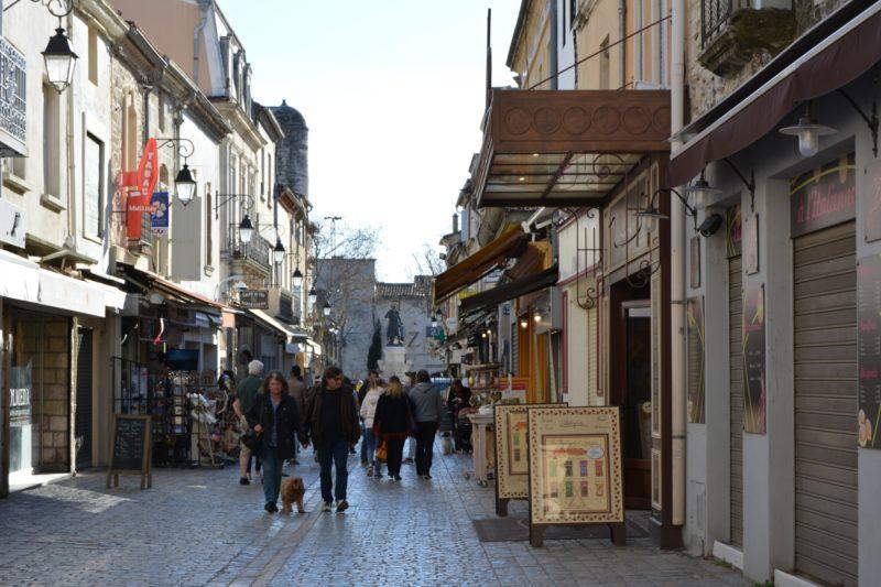 Rue de la cité fortifiée