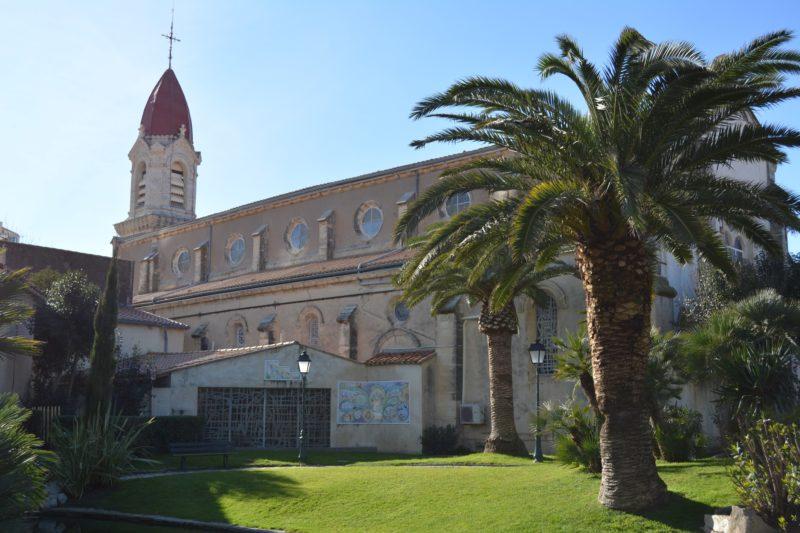 Les jardins de l'église de Palavas